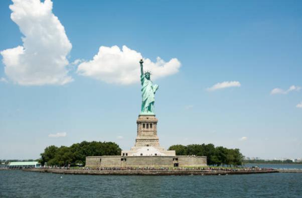 statue-de-la-liberte-new-york-liberty-island